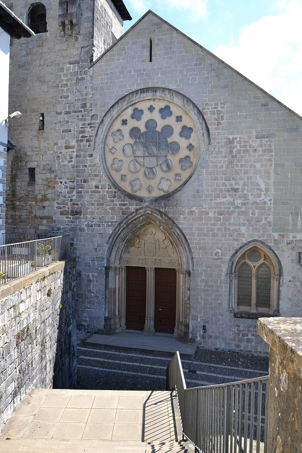Roncevalles Collegiale Sainte Marie de Ronceveau